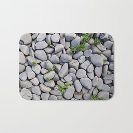 Smooth Stone Dry River Bed Bath Mat