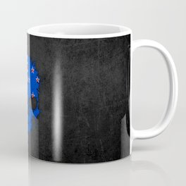 Flag of New Zealand on a Chaotic Splatter Skull Coffee Mug