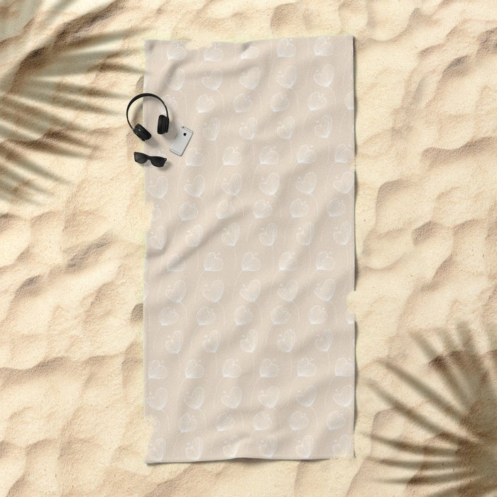 Delicate Floral Pink Pattern Beach Towel