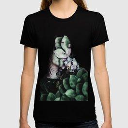 sflsfsdfs T-shirt