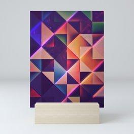 lyng pyst gwnn Mini Art Print