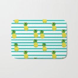 Ananas tropical summer pattern Bath Mat