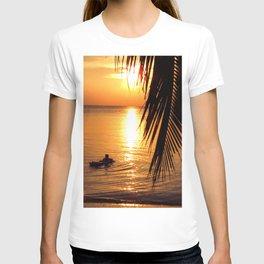 Island sunset relaxation T-shirt