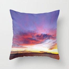 breathtaking sunset Throw Pillow