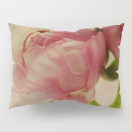Falling in Love with rose flowers Pillow Sham