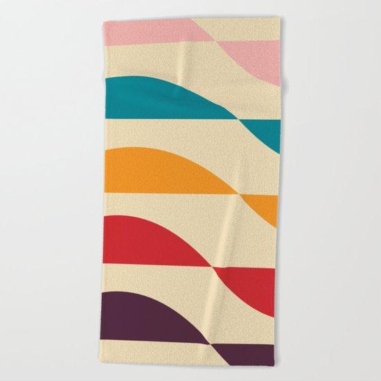 Summer waves Beach Towel