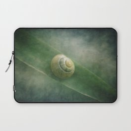 Shell in a sea of green Laptop Sleeve