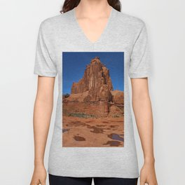 Red Rockformation in Arches NP Unisex V-Neck