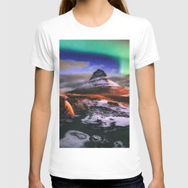 mountains rocks night waterfalls northern lights Iceland Kirkjufell T-shirt