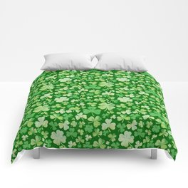 Lucky Green Watercolour Shamrock Pattern Comforters