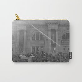Steps of the MET Carry-All Pouch
