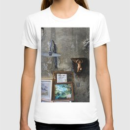 In The Corner - Lucca T-shirt