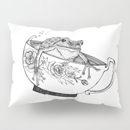 Pacific Northwest Tree Frog Riding in a China Teacup Pillow Sham