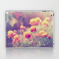 Retro Vintage style - flowers Laptop & iPad Skin