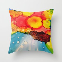 Daydreaming sunshine Throw Pillow