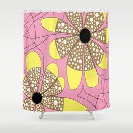 FLOWERY  LEA / ORIGINAL DANISH DESIGN bykazandholly Shower Curtain