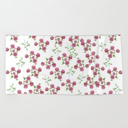 Watercolor roses on white backgroung Beach Towel