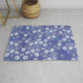 Abstract botanical monstera palm leaf pattern - classic blue Rug