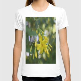 Close Up Of Carolina Jasmine T-shirt