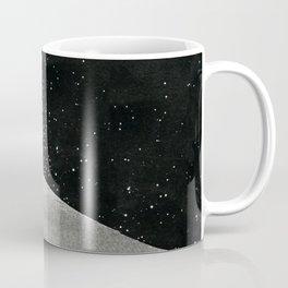Un tizio che non ha capito che quelle luci non sono un buon segno Coffee Mug