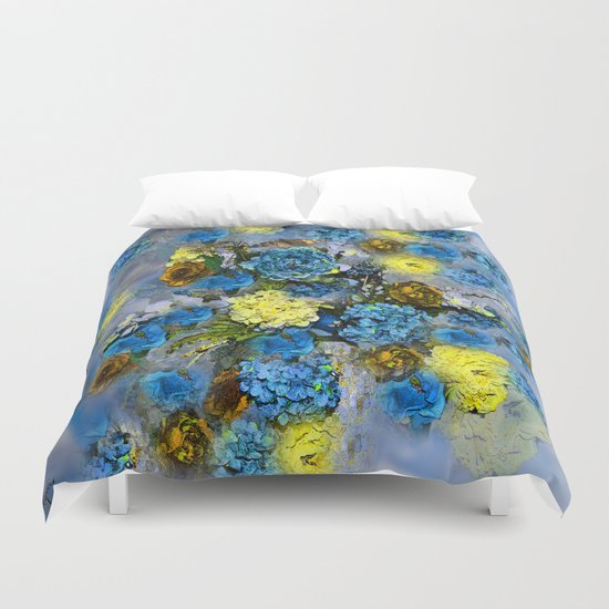HYDRANGEA AND ROSES Duvet Cover