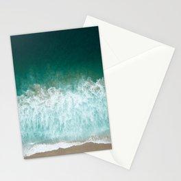 Mar turquesa llegando a la playa Stationery Cards