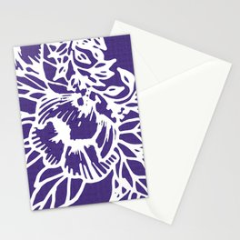 White Flowery Linocut Wreath On Checked UltraViolet Stationery Cards