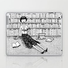 She just wanted to read books and do nothing else Laptop & iPad Skin