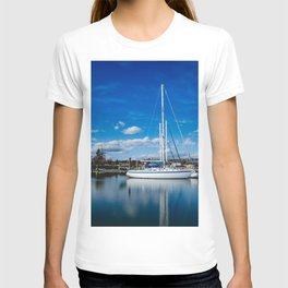 Columbia River Boat Reflection T-shirt