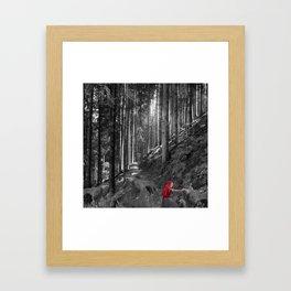 Chaperon rouge Framed Art Print