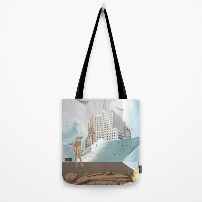 atmosphere 42 · Papierschiffträume Tote Bag