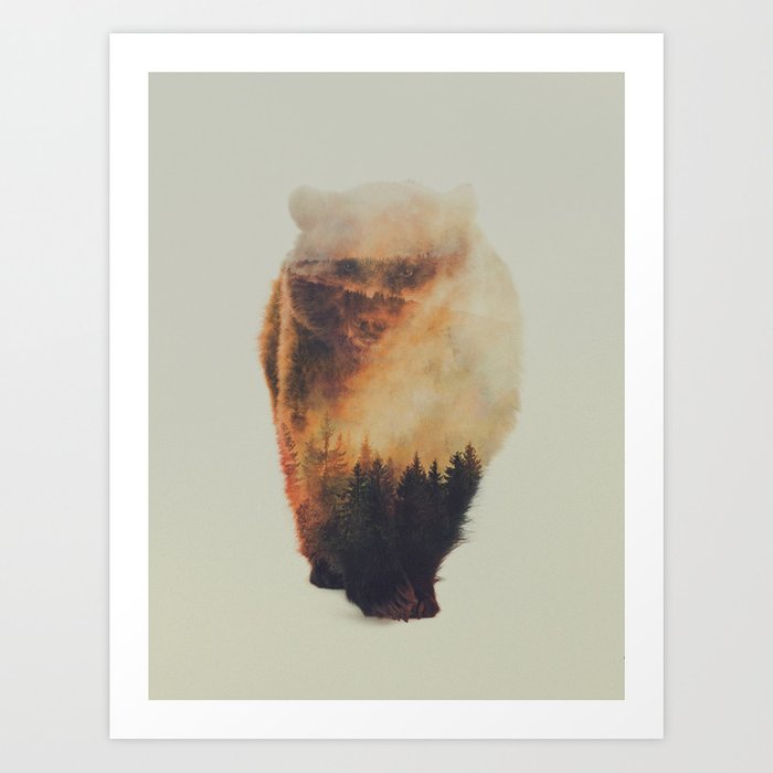 Discover the motif WALKING BEAR by Andreas Lie as a print at TOPPOSTER