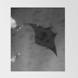 Manta and Divers Throw Blanket