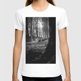Moss Covered Tree Stump Hiking Path Forest bw T-shirt