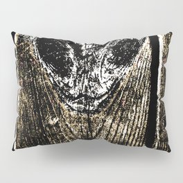 Floorboard alien wasp type thing Pillow Sham