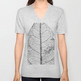 Dry_Leaf_Detail_Black & White_Pattern Unisex V-Neck