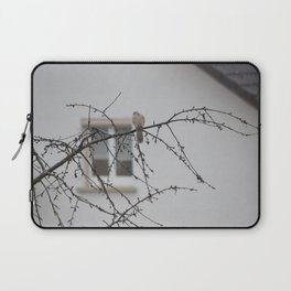 bird in the rain Laptop Sleeve