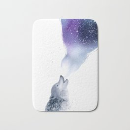 Howling Wolf in The Starlit Night Bath Mat