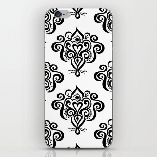 Bound heart pattern iPhone & iPod Skin