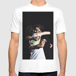 Larry Hug T-shirt