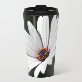 Daisy flower blooming close-up Travel Mug