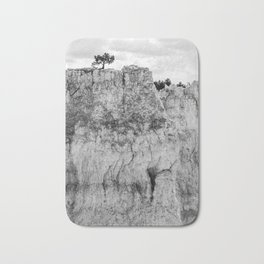 Pine tree on the cliff at Bryce Canyon Bath Mat