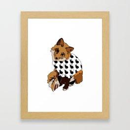Un renard qui aime les lapins Framed Art Print