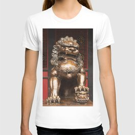 Lion bronze statue in front of a buddhist temple T-shirt
