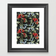 flores misteriosas Framed Art Print