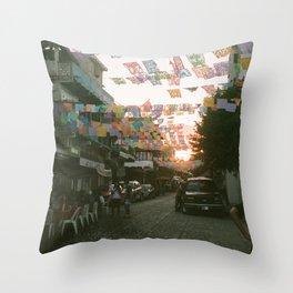 SAYING GOODNIGHT Throw Pillow