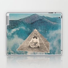 Flotar entre las nubes  Laptop & iPad Skin