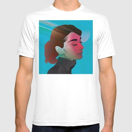 Classy- Audrey Hepburn T-shirt