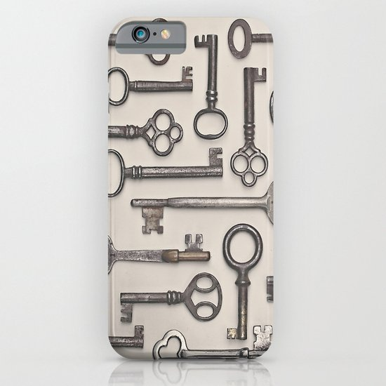 Labyrinth (Grey Version) iPhone & iPod Case
