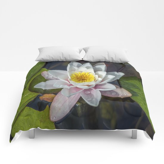 Summer Lily Comforters